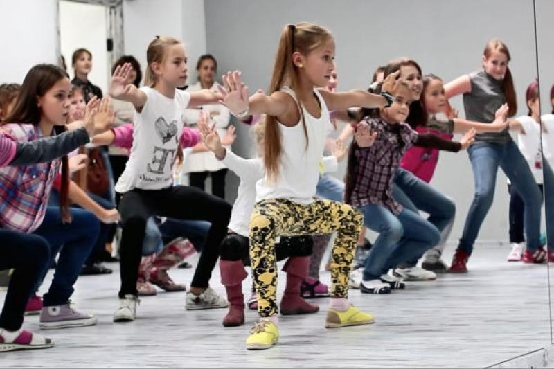 """Танцевальная мастерская """"Dance It!"""" в Бургасе  и для детей"""