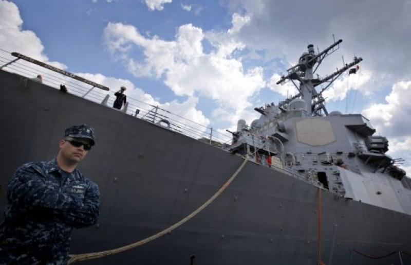 Американският военен кораб Donald Cook акустира във Варна
