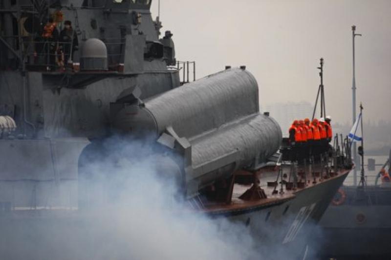 В Черном море начались российско-китайские военные учения