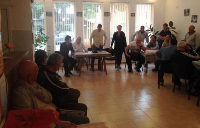 Експерти на ИАРА се срещнаха с  рибари от Сарафово