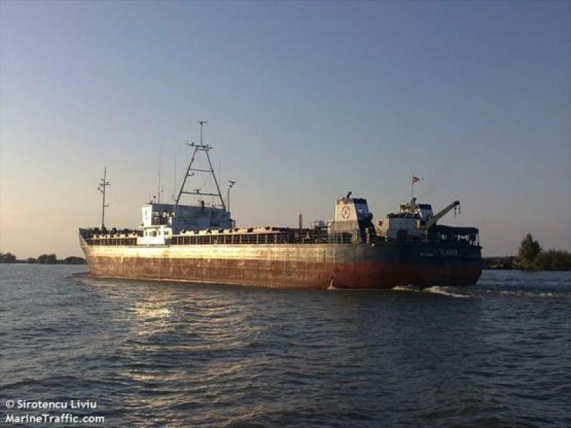 Корабът, който превози оръжие от Бургас до Украйна, отново в България