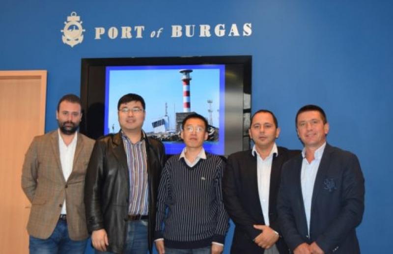 """Делегация от Китай хареса """"Пристанище Бургас"""" за логистичен хъб"""