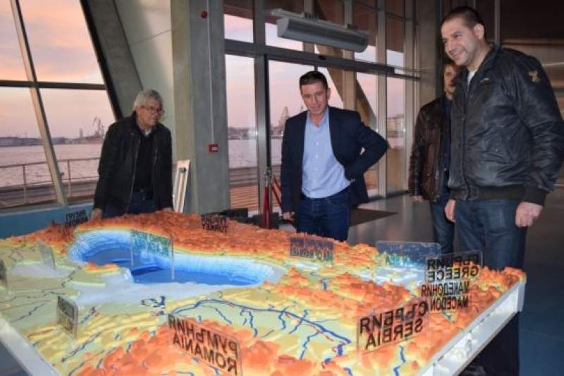 Макет на Черно море краси Морската гара в Бургас