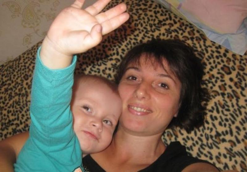 """Деца от ОДЗ """"Зорница Звездица"""" се борят за живота на своята учителка"""