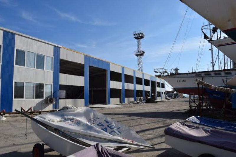 Ветроходците на Бургас с  нова база за Никулден