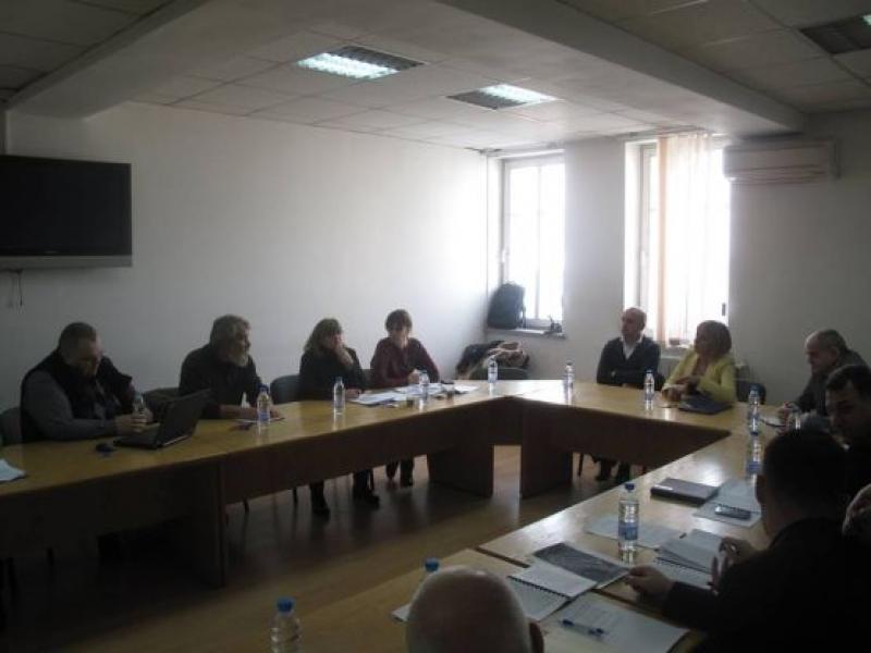 Мая Манолова на среща в МЗХ в помощ на каузата