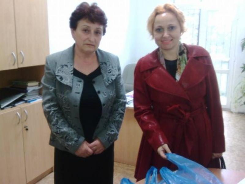 """""""Виа Понтика"""" дари учебни пособия на пострадалото при пожар училище"""