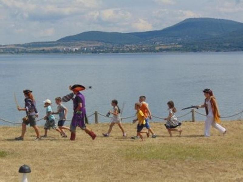 Пиратски приключения на остров Света Анастасия за Деня на детето