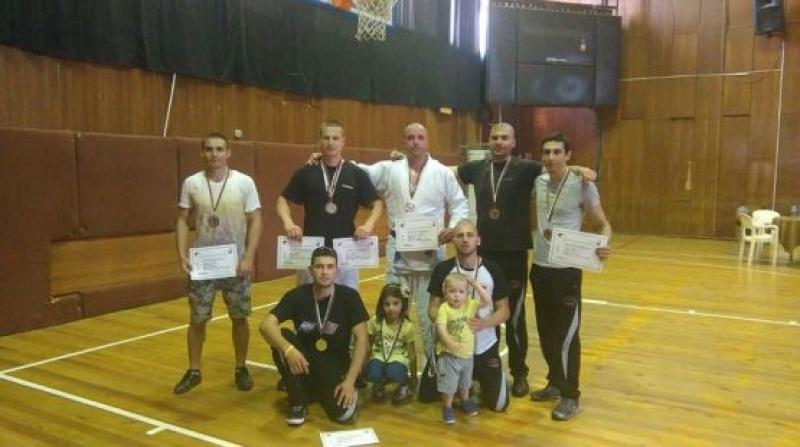 Бургаски полицаи с над 11 отличия от държавно първенство
