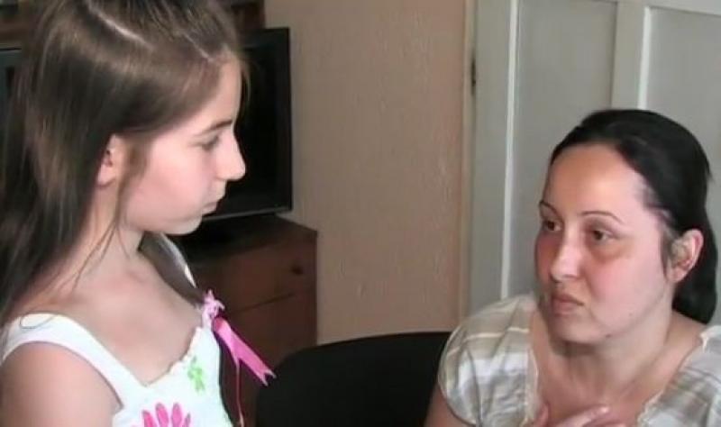 Майка с рядка болест се нуждае от 10 000 лева за лечение