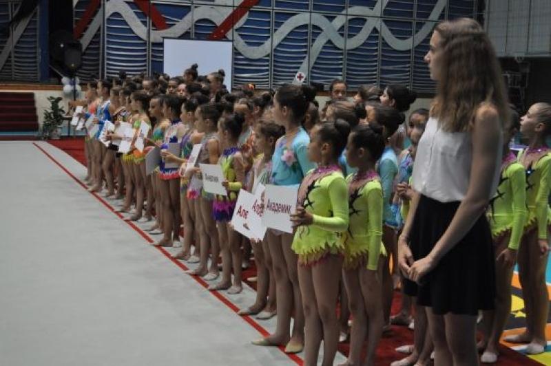 50 клуба в Държавното първенство по художествена гимнастика за девойки