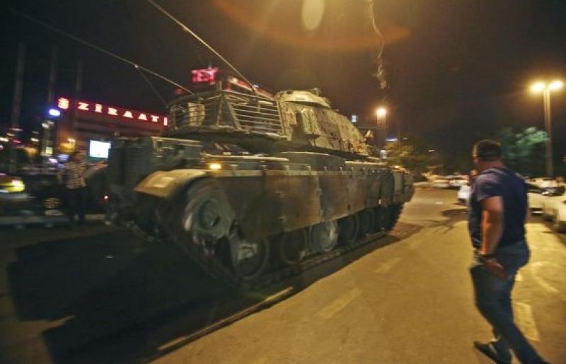 Появи се видео от щурма на хотела в Мармарис, където е бил Ердоган