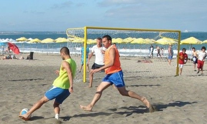 Два дни плажен футбол за мъже и юноши в Бургас