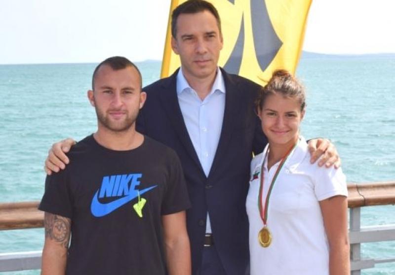 Олимпиецът Венцислав Айдарски спечели  бургаския плувен маратон