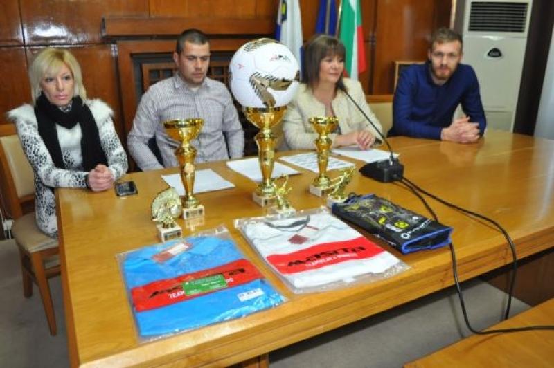 Рекорден брой отбори в Коледния футболен турнир в Бургас