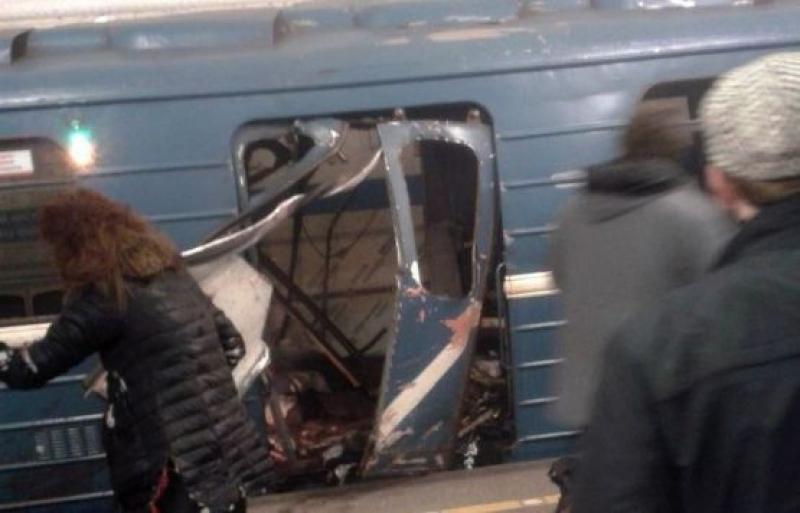 10 человек погибли при взрыве в петербургском метро