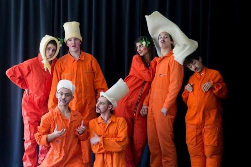 Младежкият експериментален театър с представление в Бургас