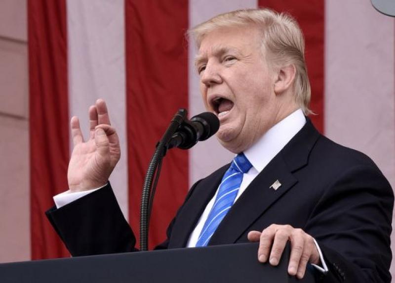 Тръмп връща ограниченията върху пътуванията и търговията с Куба