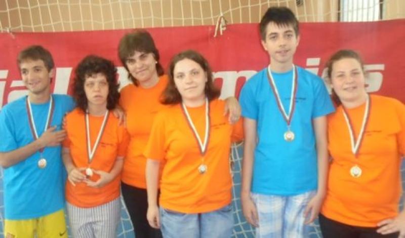 """Бургаски ученици със златни медали от национален турнир по """"боче"""""""