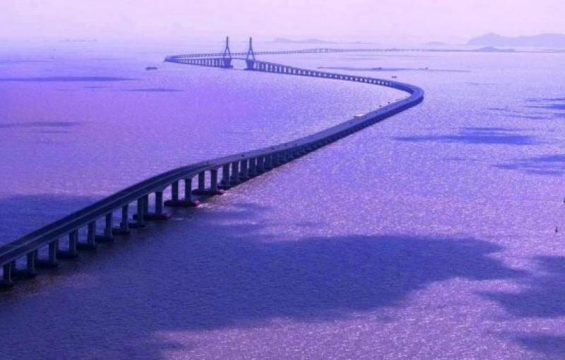В Китай откриват най-дългия мост над море