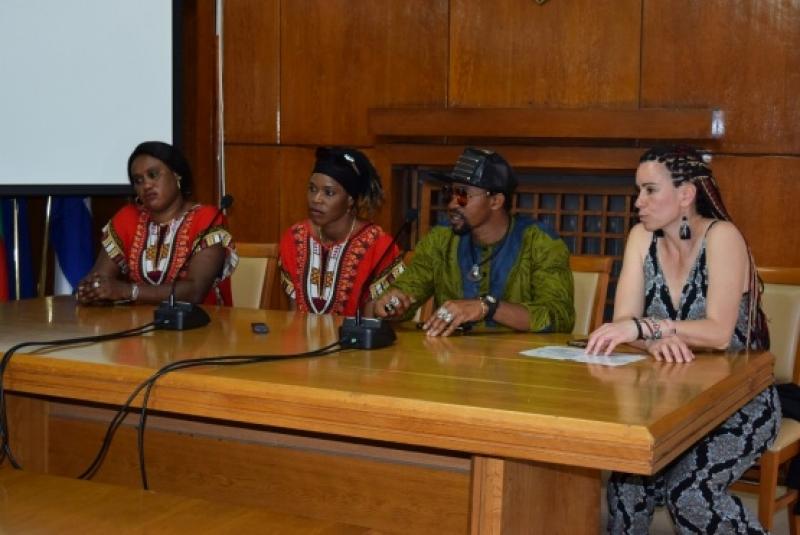 Показват екзотичната африканска култура в Бургас