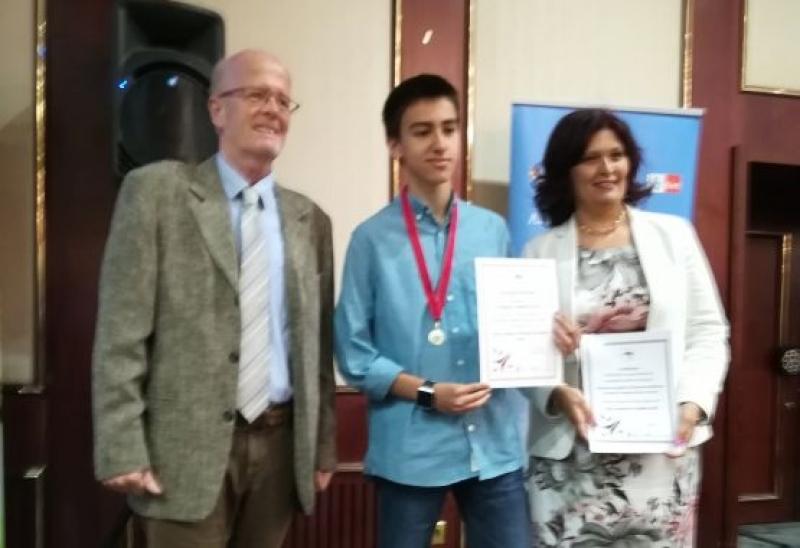 Ученик от Немската гимназия ще представя България на международно състезание по английски език