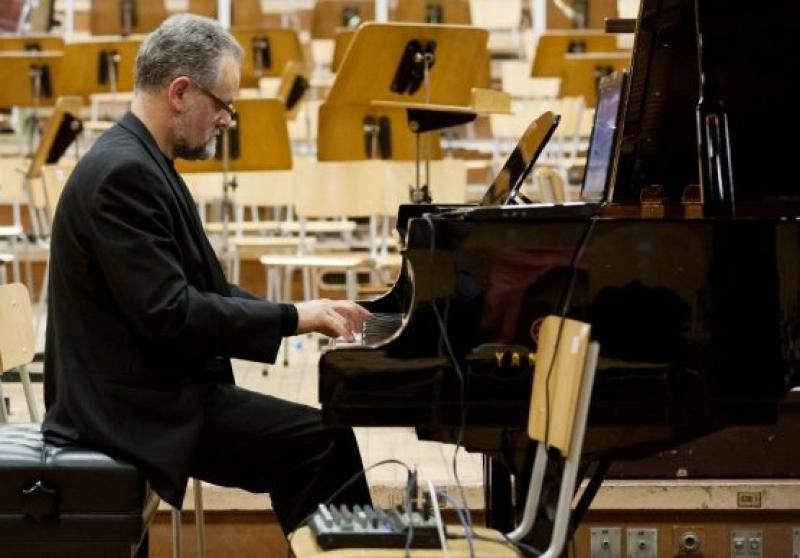Михаил Големинов в Бургас с два музикални проекта