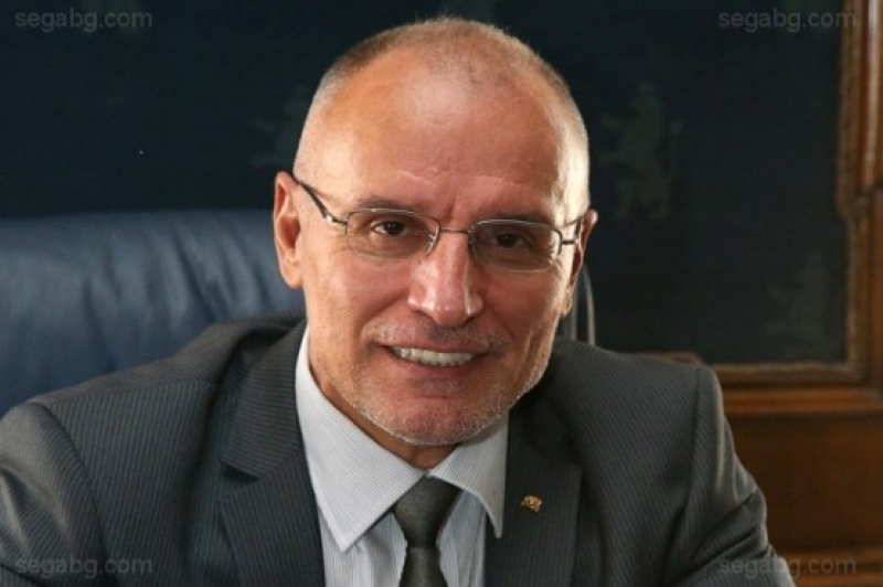 Управителят на БНБ:  Влизането в еврозоната зависи от икономиката