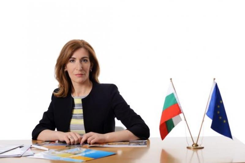 Ангелкова: Само актуализираме картите на терени в Слънчев бряг