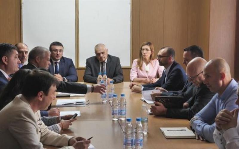 Радев и Ангелкова: Гарантирано е спокойствието на туристите