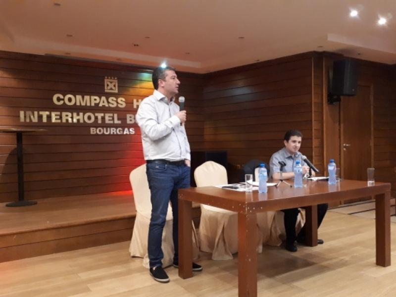 Стойнев в Бургас: Очаквахме след европредседателството да започнат да валят оставки, а вече е налице първата