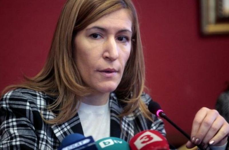 Шумът в националните курорти да се регулира с наредба, предлага Ангелкова