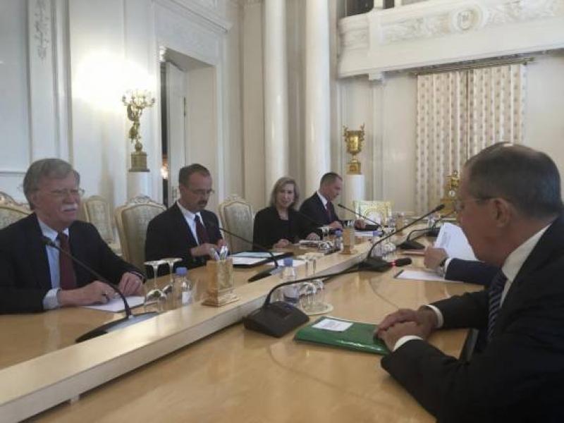 Започнаха официалните разговори на Джон Болтън в Русия