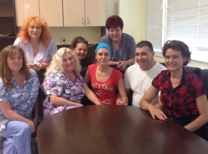 Пациентка, спасена в УМБАЛ - Бургас след прострелване в главата, благодари за грижите
