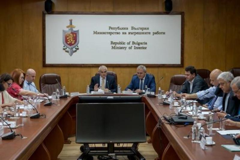 Министър Радев: Превенцията е от ключово значение за успеха  срещу престъпността