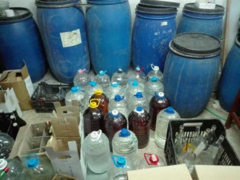 Близо тон нелегален алкохол иззеха в Несебър
