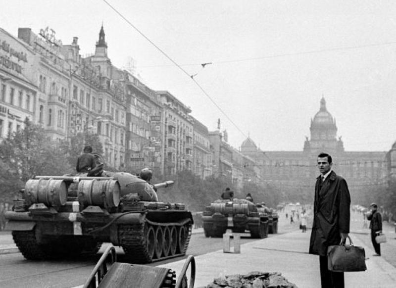 Фотоизложба връща спомена за Пражката пролет от 1968 г.