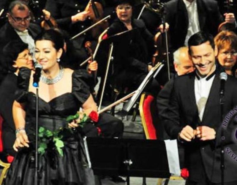 Eделина Кънева и Орлин Павлов с концерт-спектакъл на Острова