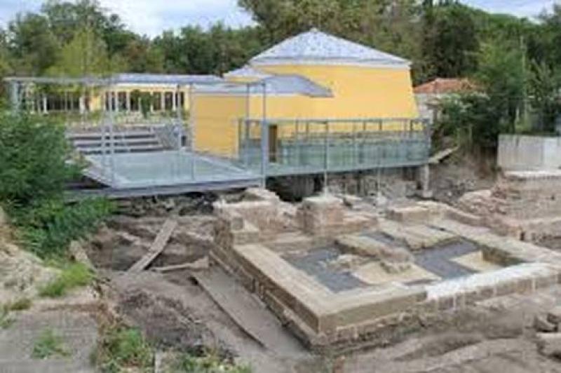 """Разширяват археологическите разкопки на  """"Акве Калиде"""""""