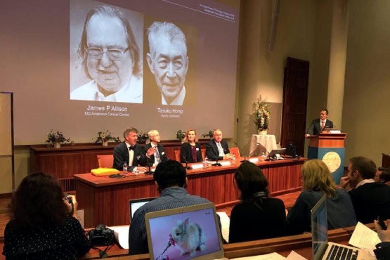 Нобеловата награда за медицина присъдена за откритие в терапията на рака