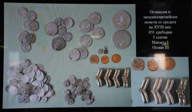 Монети и накити откриха археолози в Ахтопол