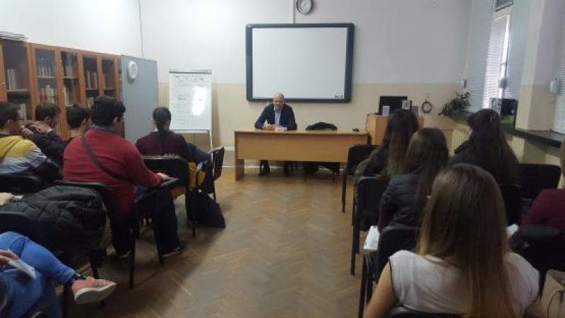 Наказателните процеси и правораздаването дискутираха с окръжен съдия ученици от Немската гимназия