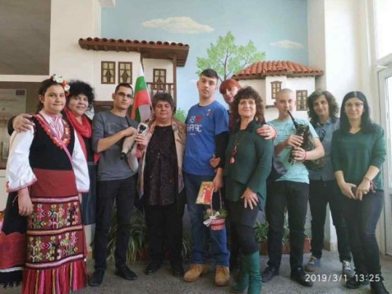 Пламен Корсев заминава за игриte в Абу Даби с българския трикольор и кошница с мартенички