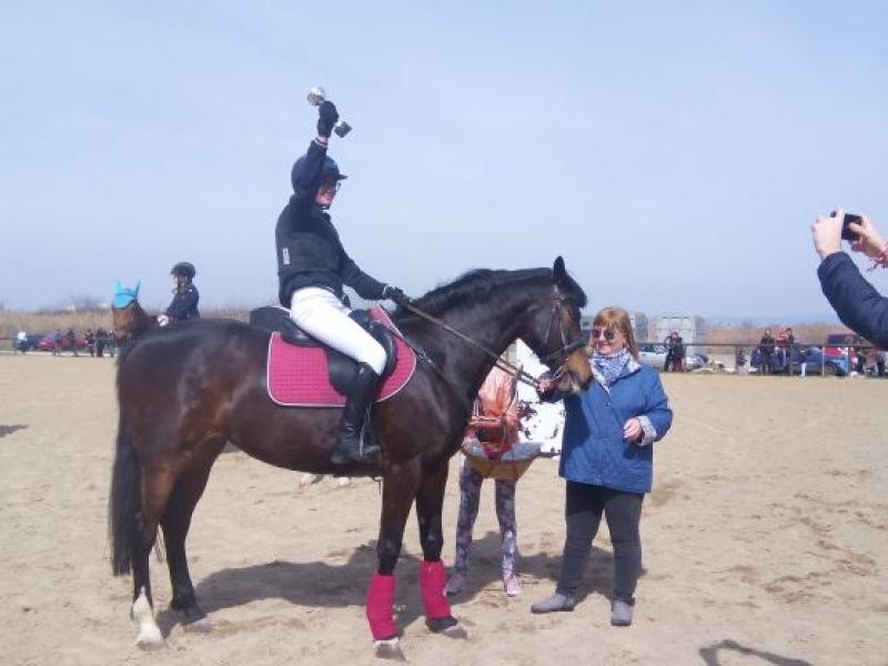 Адреналин и пролетно настроение на конната база в Бургас за Тодоровден