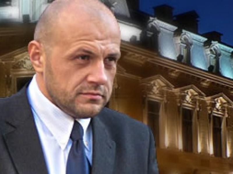 Дончев дава само месец за подобряване на административното обслужване
