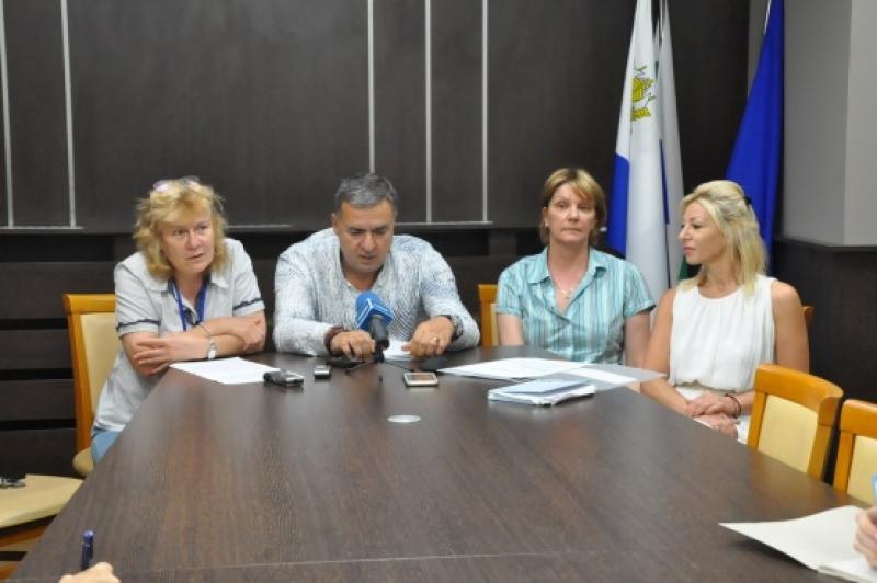 Бургас приема най-големия плувен турнир, провеждан в страната ни от 1985 година насам