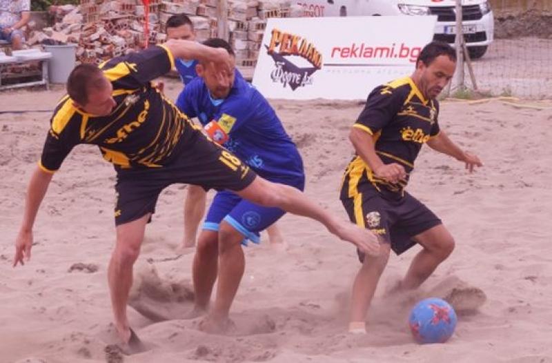 Три отбора са с пълен актив след първите два кръга на държавното по плажен футбол