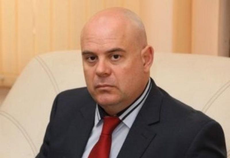 Гешев отказа среща на Нинова, прокуратурата била политически независима