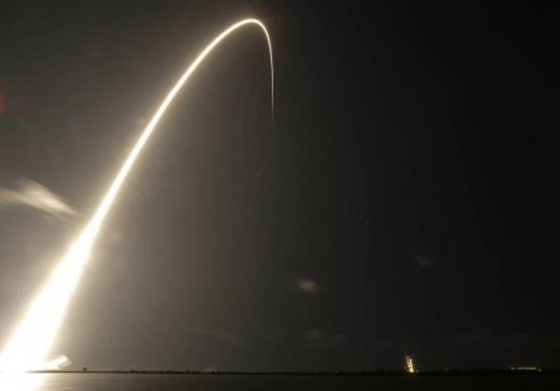 SpaceX обявяви за  успешното изстрелване на 60 спътника Starlink