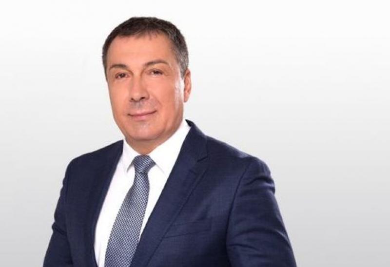 Николай Димитров остава на поста си